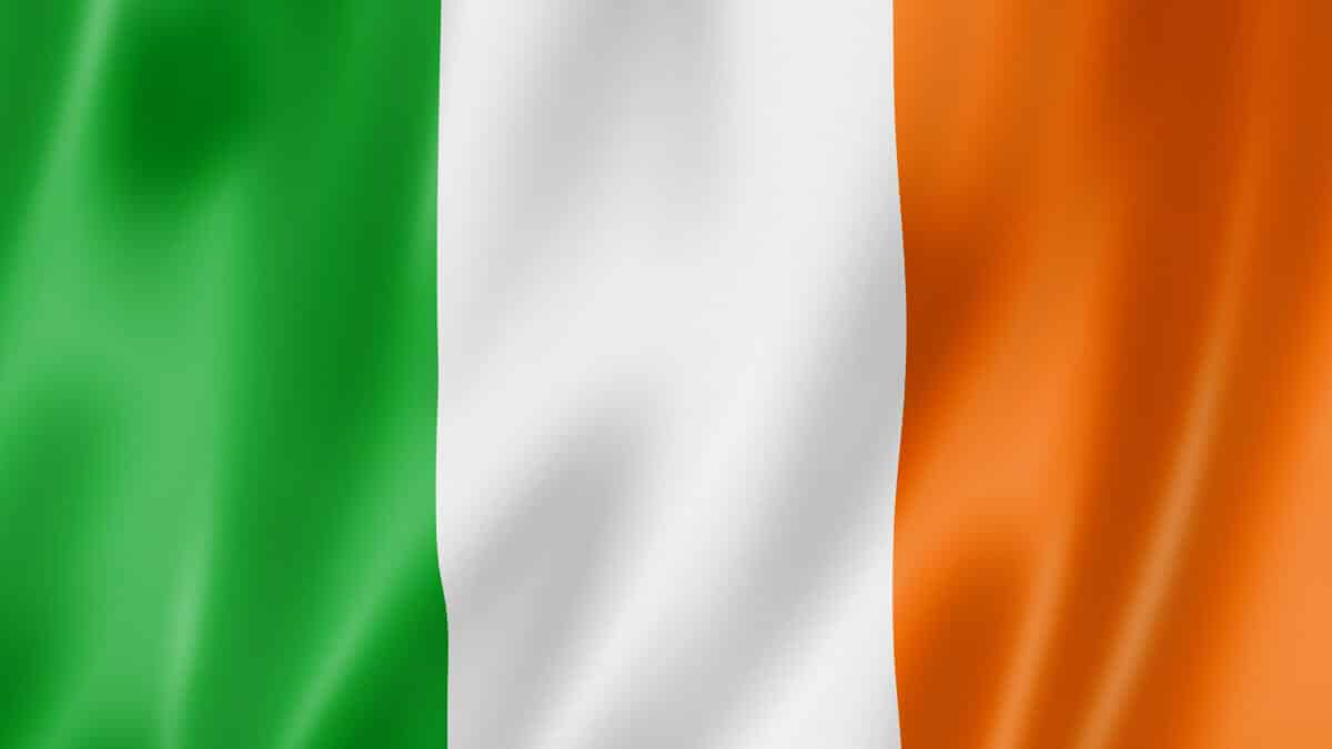 connacht irish pronunciation - the irish flag for image purposes