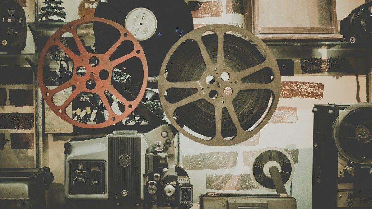 irish language movies - film reel